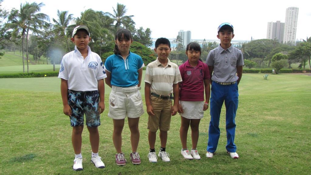 報知代表5選手は互いに健闘を誓い合う。(左から)隅内雅人くん、中谷舞さん、柴原勇太くん、飯田茜さん、飯田要くん