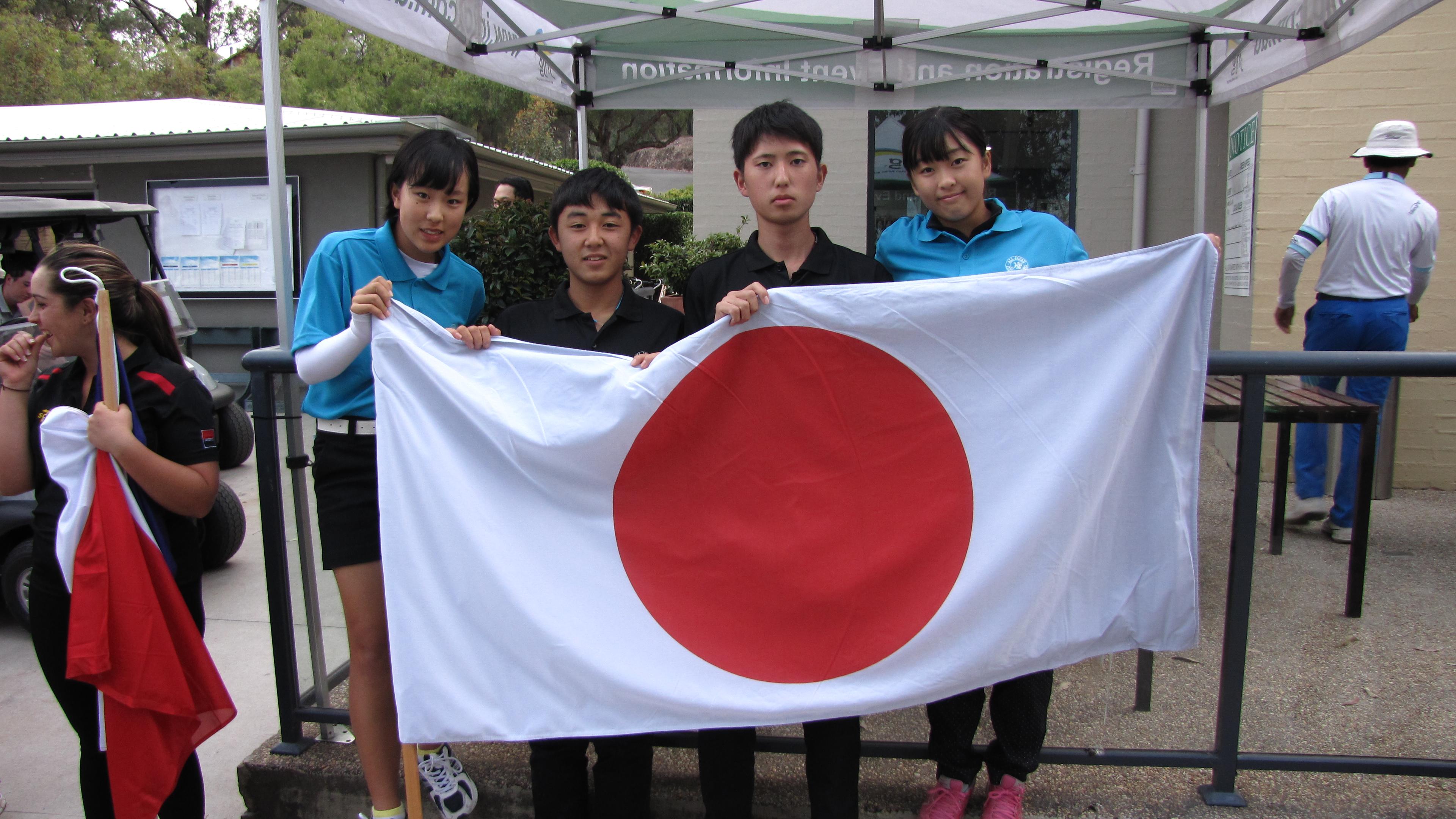 日本チームいざ出陣