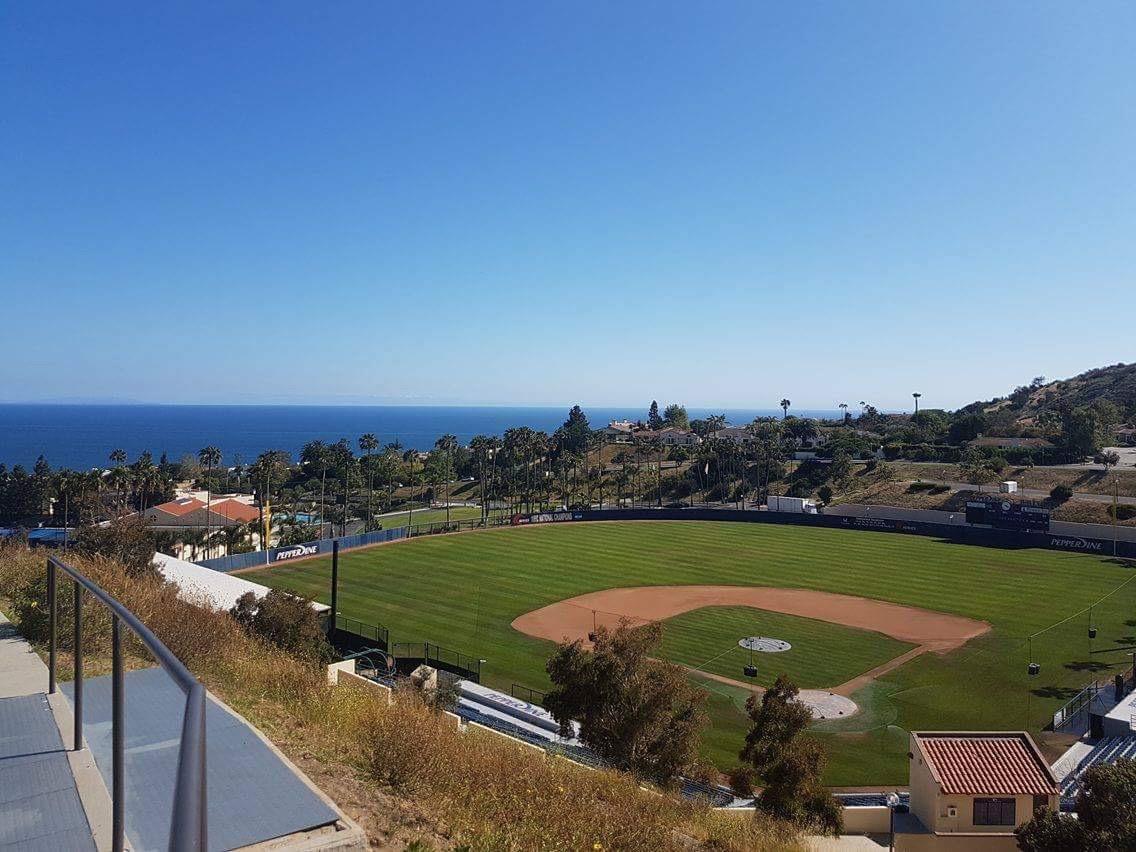 ドーム(寮)からの景色。ベースボールも見に行きたいけど、なかなか時間がないです・・・。(涙)