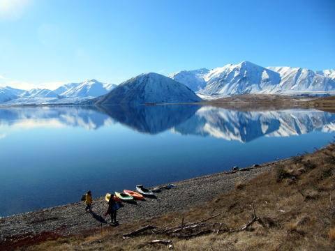 2人がゴルフを始めるまでは、カヤック持ってキャンプにも良く行きました。この場所がどこかはヒ・ミ・ツ。ニュージーランドまで来て頂けたら、ご案内いたします。(笑)