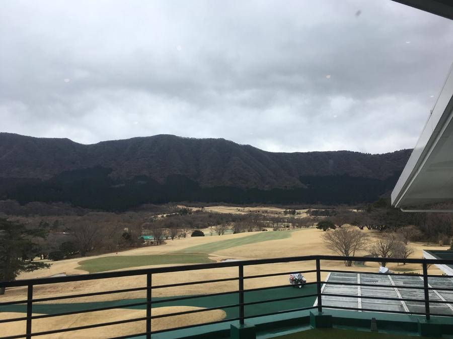 【箱根CC】クラブハウスから見渡せる雄大な自然。