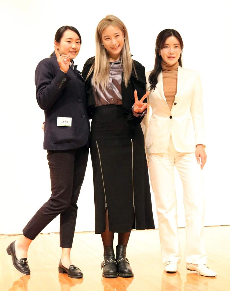 LPGA合同セミナーに参加した(左から)三浦桃香、ユ・ヒョンジュ、アン・シネ